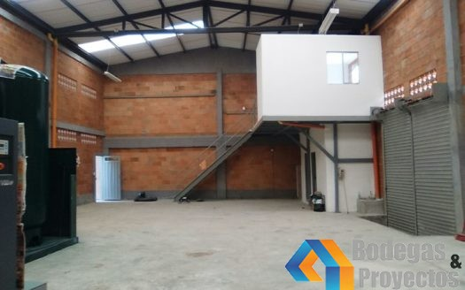 WhatsApp Image 2017 12 21 at 8.14.11 AM1 1 525x328 - Bodegas en Arriendo Caldas