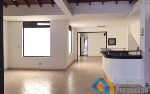 14 6 525x328 - Oficina Ó Local En Arriendo En Laureles