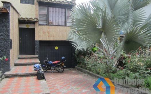 17 525x328 - Casa Comercial Sector Aguacatala